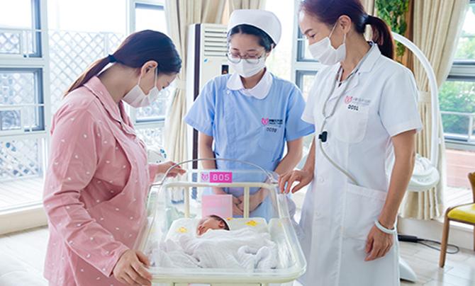24小时宝宝看护